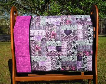 Baby quilt / Toddler quilt / Baby Gift / Purple-and-pink quilt / Crib quilt / Lap quilt
