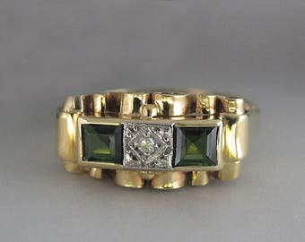 About diamond ring 0, 02ct 0, TOURMALINE stones and two 30ct. Yellow Gold 585/14 k