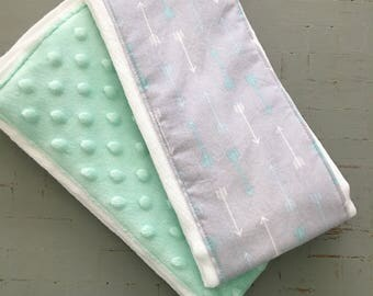 Burp Cloth Set of 2//Minky and Arrow Burp Cloth