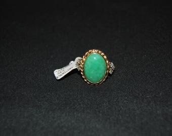 Vintage 14 karat gold Jadelite and diamond ring