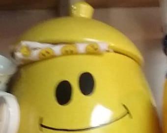 Large smiley cookie jar