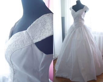 Vintage white fluffy dress
