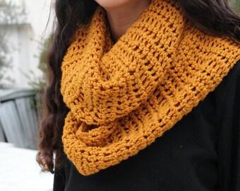 Handmade fashion crocheted close scarf