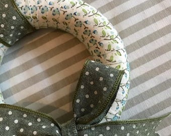 Floral Ribbon Wreath with Green Dotty Bow (12cm)