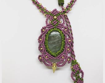 Macrame necklace green&lilac
