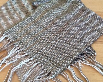Woven scarf with gold flecks