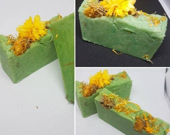 Soap with honey and royal jelly, flowers of calendula