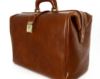 Genuine Leather Bag for Doctor with 1 compartment