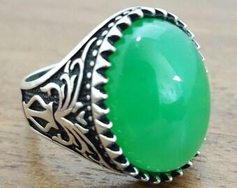 Bague pour homme avec pierre verte