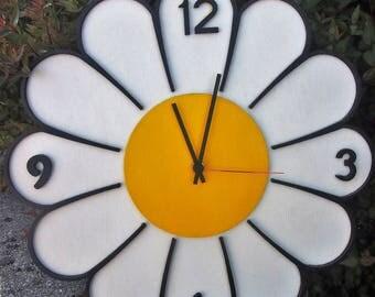 """Hand-painted CLOCK """"DAISY"""""""