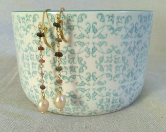 Gold-plated brass, tourmaline and pearl beads earrings