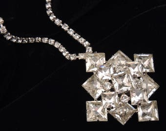 Vintage Rhinestone Necklace / Rhinestone Pendant Necklace / Square Crystal Pendant necklace / Rhinestone Bridal Necklace / Wedding Necklace