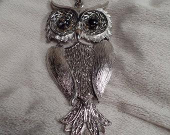 1970's Fun Owl Necklace