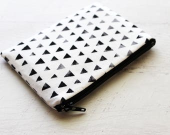 Small zipper pouch - black and white bag - triangles print change purse - black wallet - small zip pouch - womens wallet - black coin purse