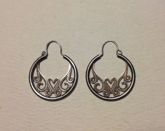 Small Sterling silver Hoop Earrings Vintage Hearts