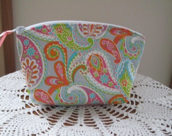 Retro Bohemian Floral Essential Oils Case  Cosmetic Bag Clutch Zipper Purse   Made in the USA Paisley on Light Gray