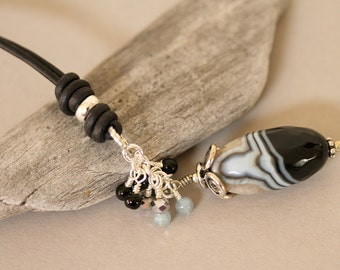Black and White Agate Leather Corded Necklace, Boho Style Necklace, Sporty Jewelry, Mother's Day, Long Necklace, Knotted Cord Necklace