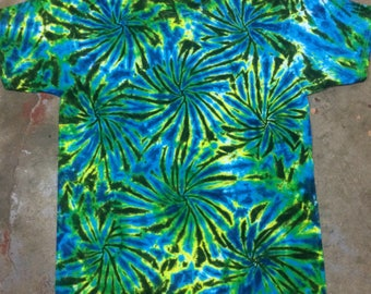 tie dye shirt Green Fireworks #129 size Large tye die tiedye