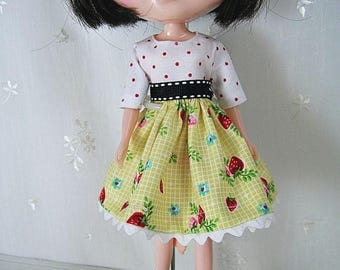 Blythe Doll Dress,  Blythe Dress. Elbow Sleeves, Strawberries