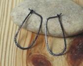 Handmade hammered black tone hoop 25x14mm, one pair (item ID BK13-2G20)