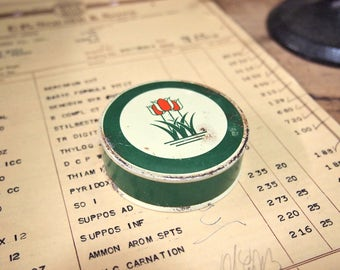 Free Shipping Small floral typewriter ribbon tin Kee Lox Mft Rochester NY tulip floral Green red