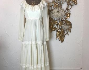 1970s dress bohemian dress prairie dress size small vintage dress ivory dress empire waist dress 32 bust