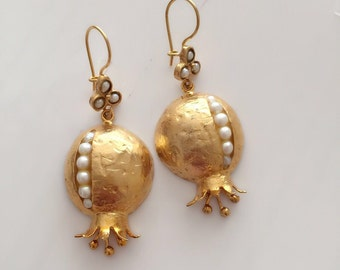 Pearl Pomegranate Earring