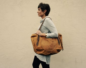NEW// XL Oxford Duffle in Distressed Honey Brown Leather with Oil Tanned Leather Tote Straps