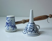 Vintage Meissen style blue and white porcelain funnel and meat tenderizer - Blue onion - Kitchen Utensil