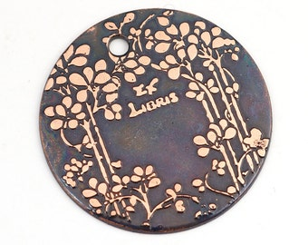 Etched copper ex libris pendant, round flat etched leaves charm, bookplate, gift for book lover, 28mm