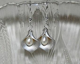 SALE Calla Lily Earrings, Flower Earrings, Freshwater Pearl earrings, Silver Earrings, Dangle Earrings,Wedding Jewelry, Sterling Silver
