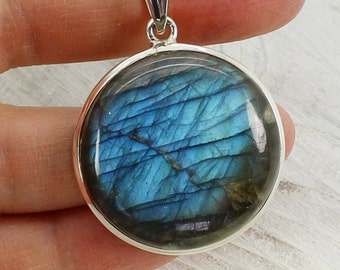 Gorgeous Big Round blue/green flash labradorite pendant with amazing color natural labradorite jewelry sterling silver mount 925 no nickel