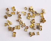 ONLY LOT - Vintage lot small brass rhinestone settings (over 50)