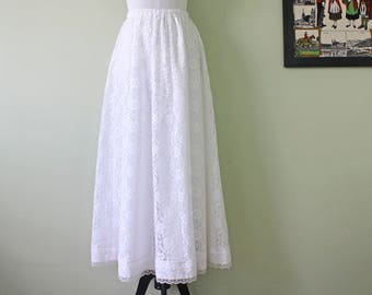 1970s Boho Floral Lace Skirt in Ivory