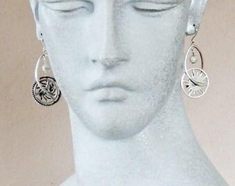 Industrial design natural howlite multi-strand necklace set