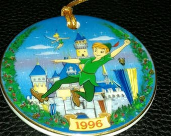 1996 A HOLIDAY TRADITION Peter Pan Disneyland Christmas Ornament