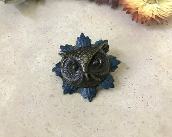 Owl Brooch, Woodland Owl, Owl Pin, Owl Head, Sweater Pin, Shawl Pin, Woodland Animal, Forest, Backpack Pin, Blue Flower, Noir, Owl Lover