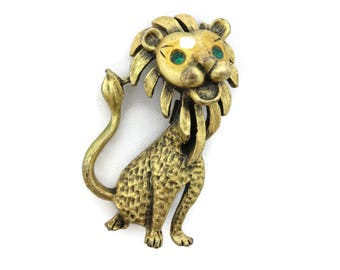 Lion Brooch - Gold Rhinestones Mid Century, Figural, Animal
