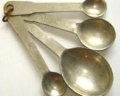 vintage metal measuring spoons set