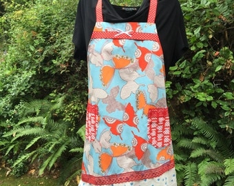 Pretty womens aprons. Flirty apron with butterflies. Such a sassy apron. Great Fit. Coffee Cup pockets Super fun apron to hostess a party in