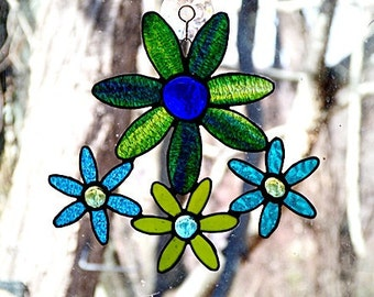 Stained Glass, Suncatcher, Daisy Flower, Blue Green, Teal with, glass nuggets