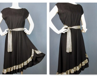 Vintage 1970s Asymmetric Hem Black / White Dress, Sz M