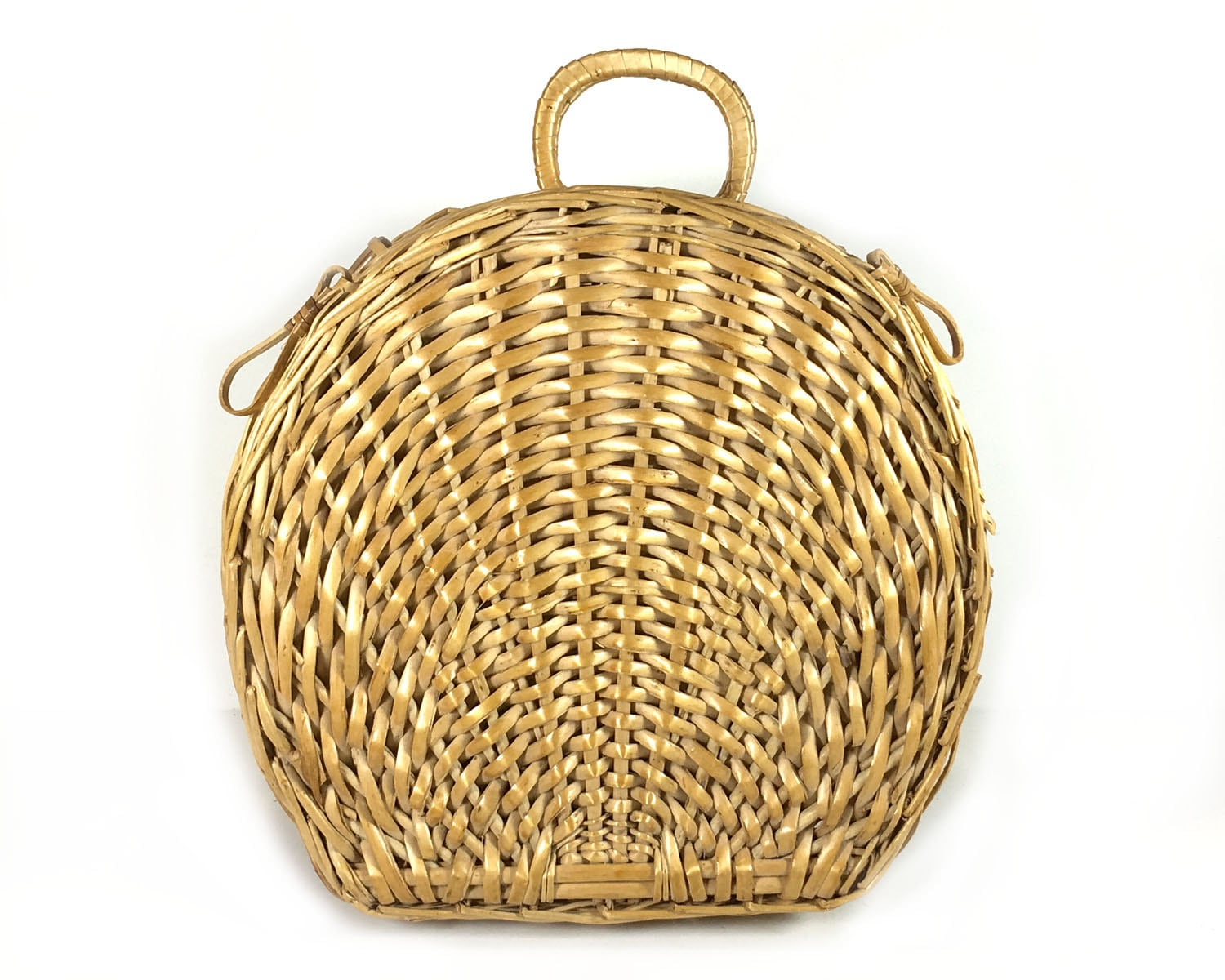Woven Basket With Hinged Lid : Small shell shaped lightweight wicker basket with hinged lid