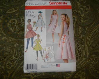 New Simplicity Pattern 8085 1950's Reproduction Wrap Dress Size 14-22