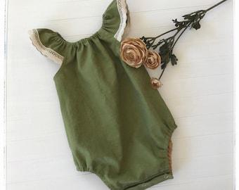 Baby green linen romper, moss green baby toddler playsuit, boho green romper, moss green and beige trim romper, girls green linen romper