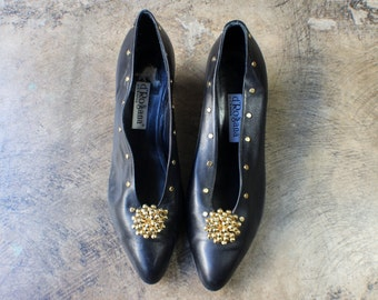 11 M Gold Spot Pumps / Vintage Black Leather Studded Heels / Women's Vintage Shoes