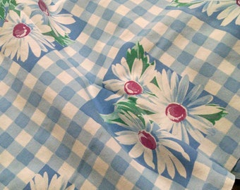 Vintage Fabric / Retro Material / Floral Design / Cotton Fabric / Cutter Tablecloth / Sewing Supplies / Craft Fabric / Craft Supplies