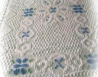 Chenille Bedspread / White Floral Chenille / Retro Linens / Vintage Bedding / Awesome Chenille Bedspread /   #2