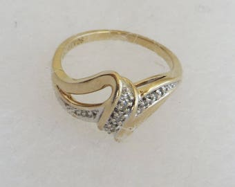 Ribbons of Diamonds Vintage Ring, solid 10K Y Gold, size 5.25, 9 tiny diamonds, free US first class shipping
