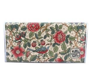 Bi-fold Plus - William Morris - Brairwood - vintage fabric